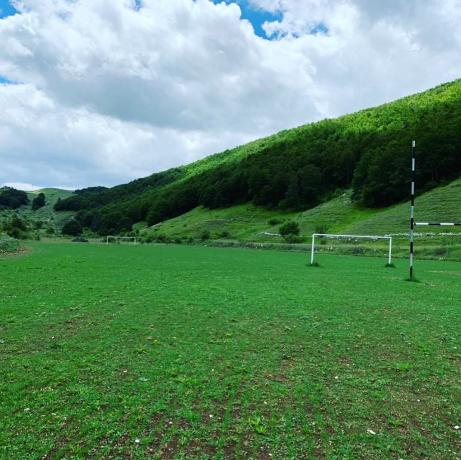nuovo campo calcio a 11 fase di allestimento