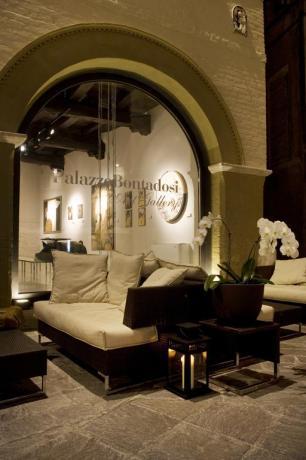 spazio esterno con divani