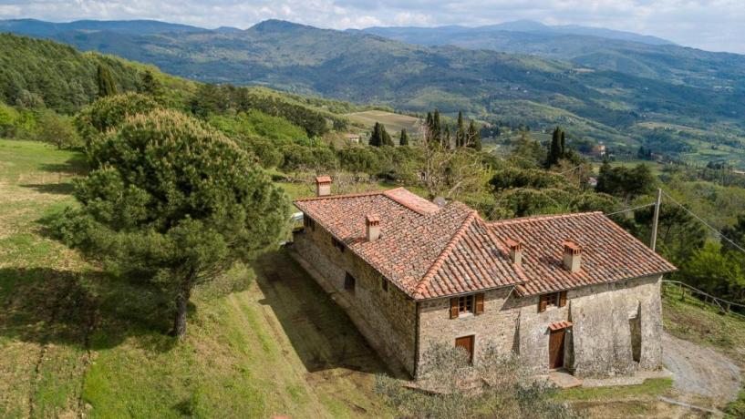 Struttura nel verde della natura Toscana