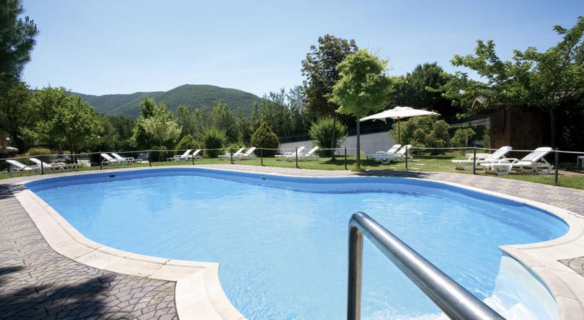 Piscina Relax Esterna in Hotel Benessere Norcia