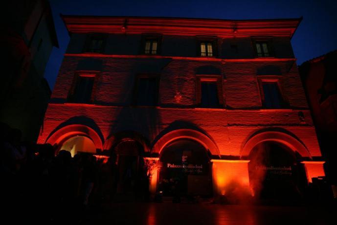 Hotel a Montefalco 4 stelle piazza del comune