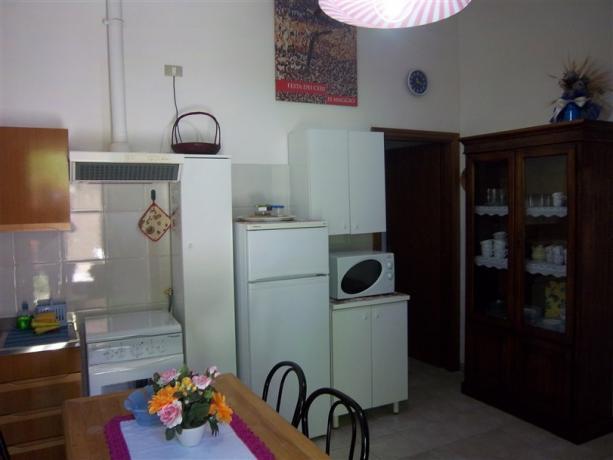 Primula - cucina attrezzata, frigorifero, microonde
