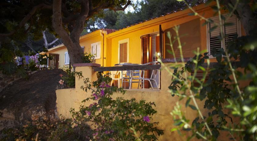 hotel-ristorante-3stelle-vista-mare-taccarossa-carloforte-isolasanpietro