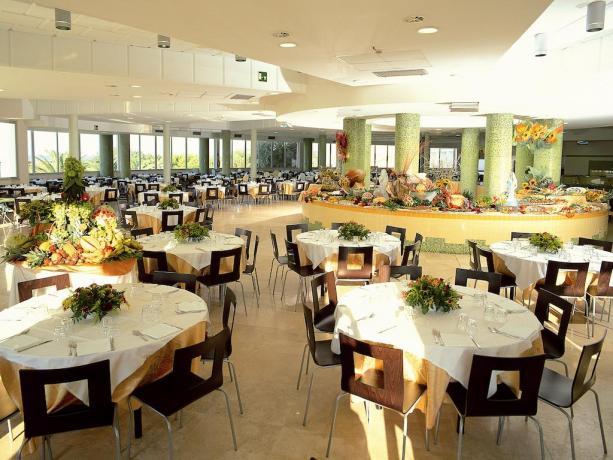 Torre di Canne: Villaggio con ristorante centralizzato