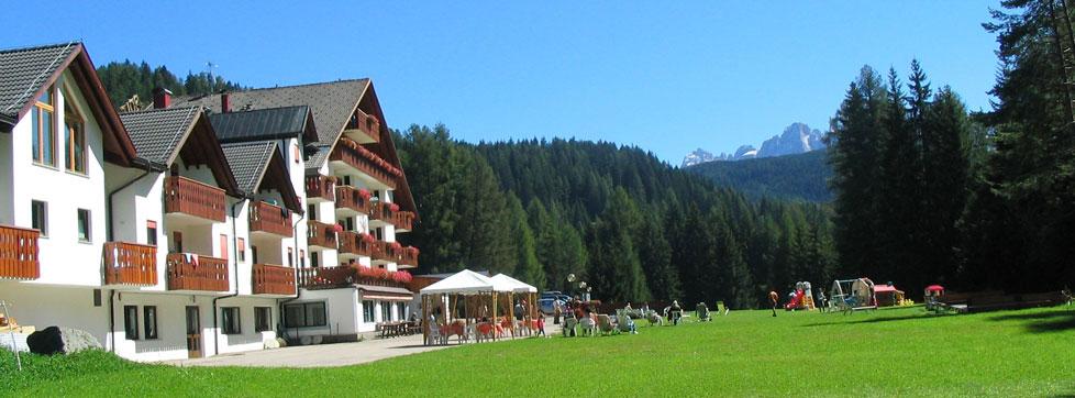 Hotel ideale per Famiglie, ampio prato verde