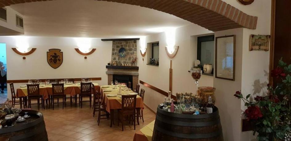 Sala Ristorante ideale per Cerimone-Feste Private-Bosco