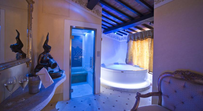 residenza-lusso-toscana-cortona-suite-spa-interna