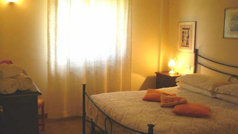 Camera matrimoniale casale in Umbria a Montecchio