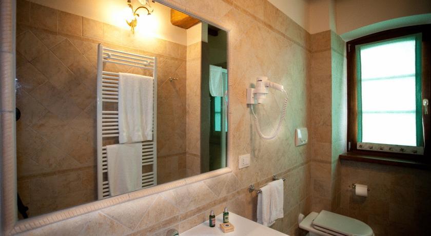 bagno in bilocale in agriturismo vicino Assisi