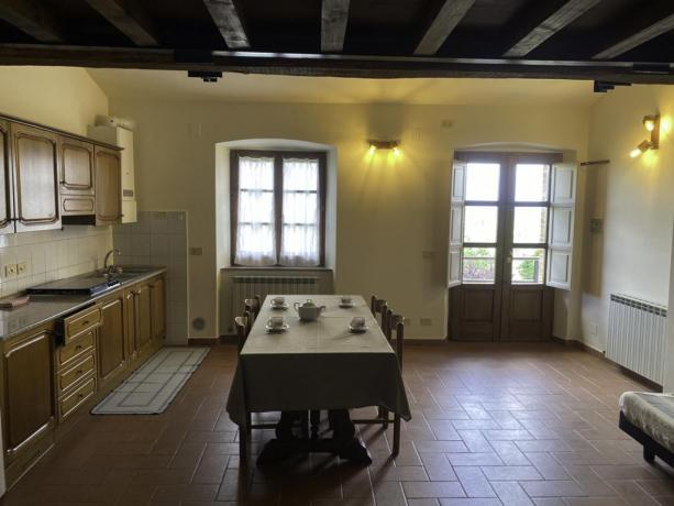 Contadino- Sala da pranzo e angolo cottura