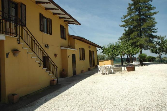 Casale per gruppi fino a 16 persone Umbria