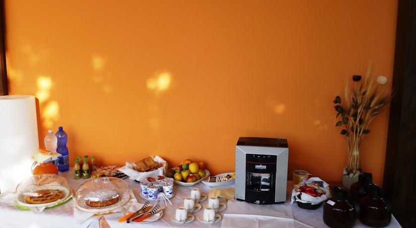 Prima colazione a buffet dolce e salata
