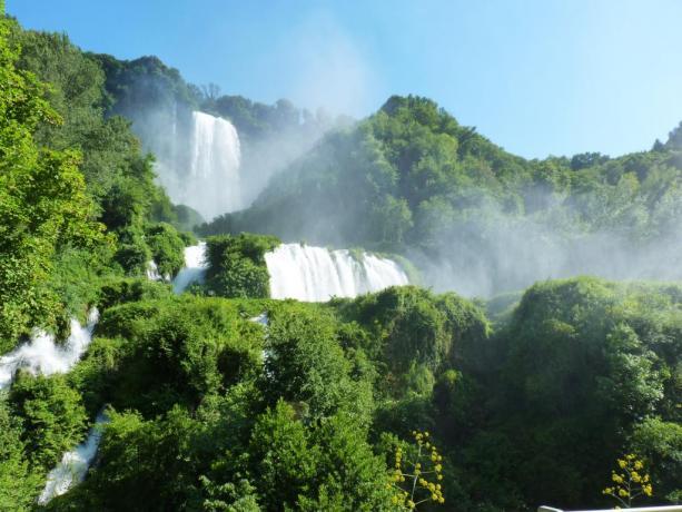 cascata delle Marmore dal belvedere Pennarossa