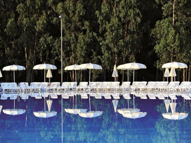 Villaggio Amico dei Bambini Calabria con piscine animazione