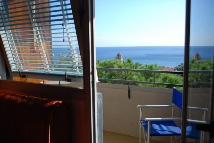 balcone vista mare Varazze Hotel