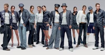 G Star Abbigliamento Jeans Jackets T-Shirt uomo do Vendita e Sconti ... b29096c4faf