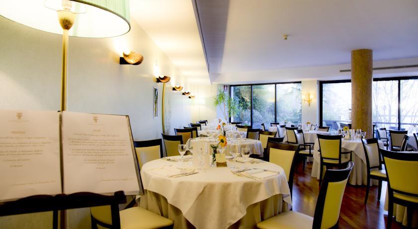 hotel**** zona ristorante interno