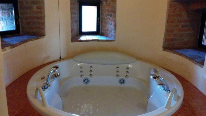 Vasca idromassaggio della Suite