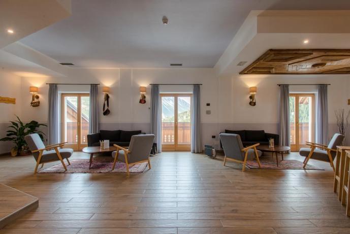 Sala Tv Hotel ideale per famiglie vicino Livigno