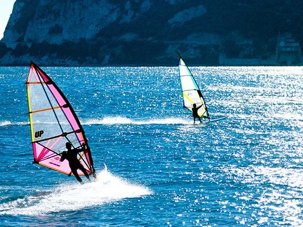 Vacanza con wind surf a Finale Ligure