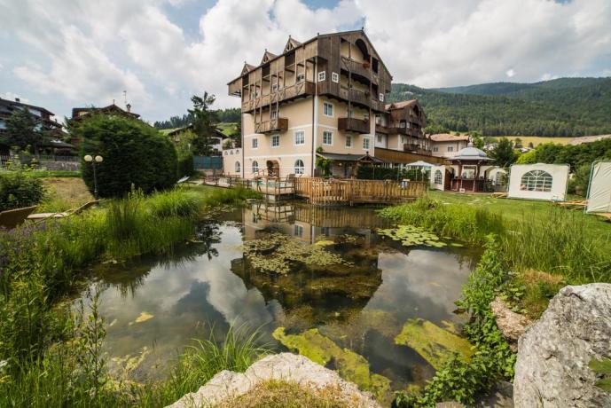 folgaria-hotel-centrobenessere-piscinariscaldata-resort-montagna