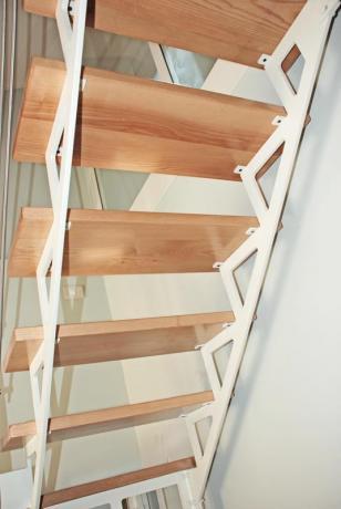 s85 scale a giorno con struttura in acciaio