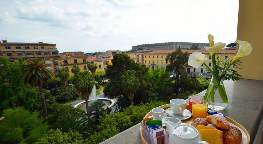 Prima colazione con vista Reggia di Caserta