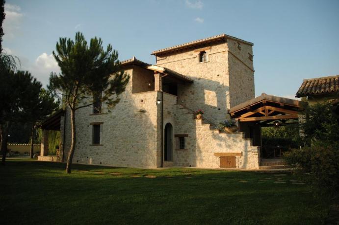 Casa Vacanze con vari Appartamenti a Ferentillo
