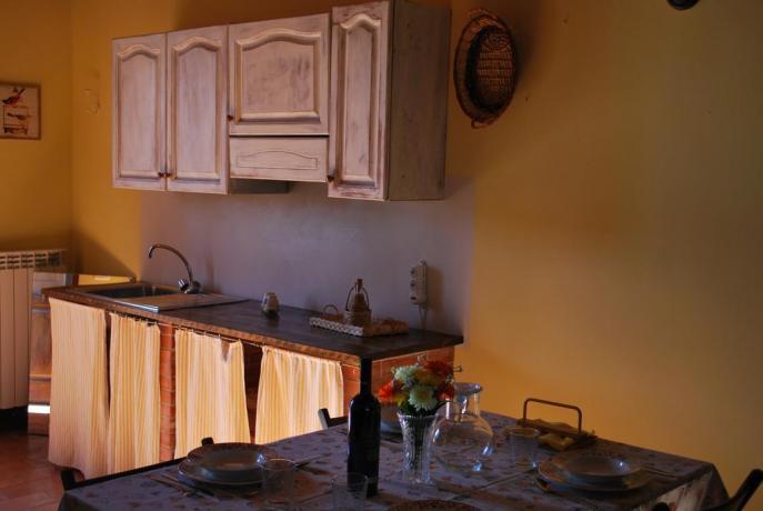 mobili d'epoca, appartamenti in agriturismo in Umbria