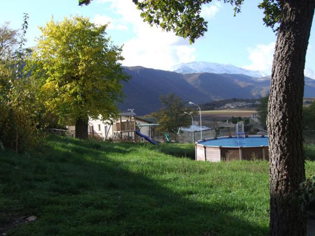 Appartamenti con piccola piscina a Fontecchio