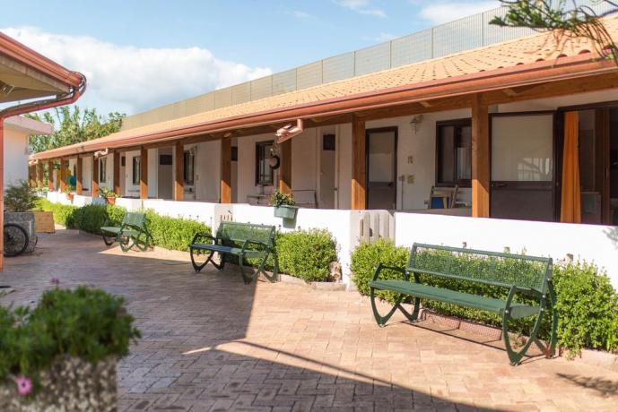 Villaggio con Mini Appartamenti a Paestum