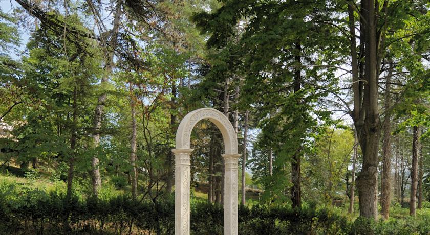 Parco del Grand Hotel Fonte Ferruginosa