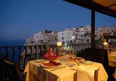 Low Cost Seaside Hotels and Inexpensive Restaurants