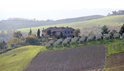 Casale nella campagna Umbra