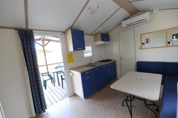 Appartamenti con portico nel villaggio a Trapani