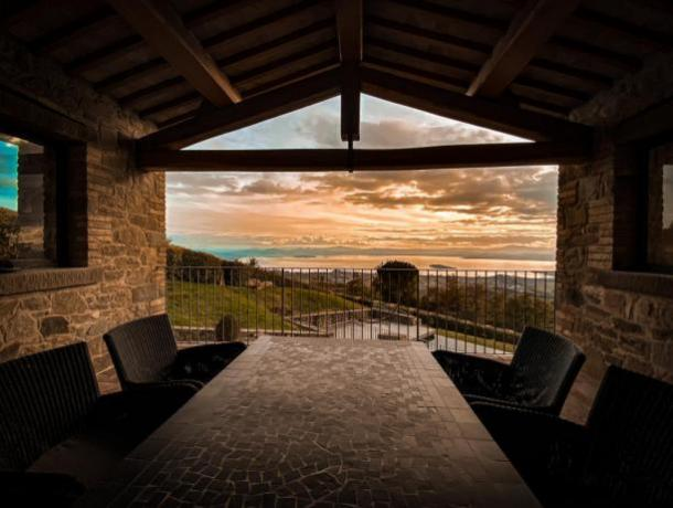 Villa panoramica Umbria  fino 6 posti, piscina,jacuzzi