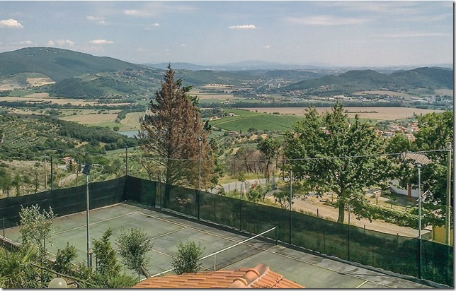 Campo da tennis e calcetto appartamenti Trasimeno