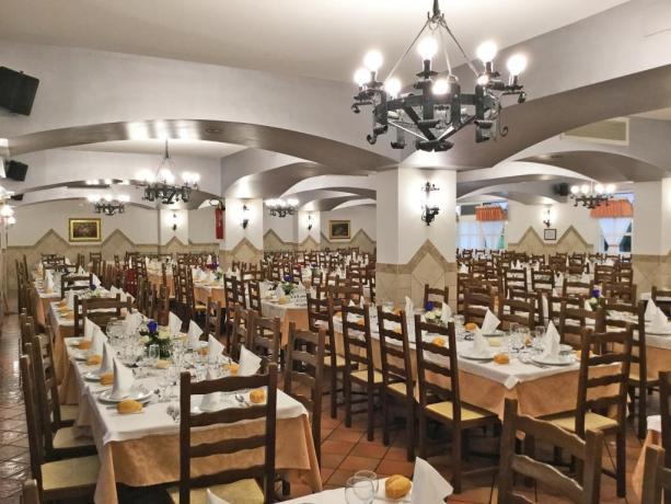 Hotel ad Assisi Ristorante con 700 coperti