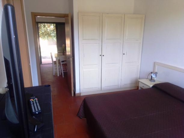 Camera da letto appartamento-vacanze 4-6persone villaggio Oristano-Sardegna
