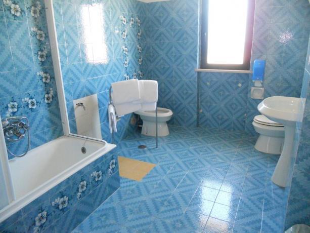 Bagno con ampio spazio Hotel in Abruzzo