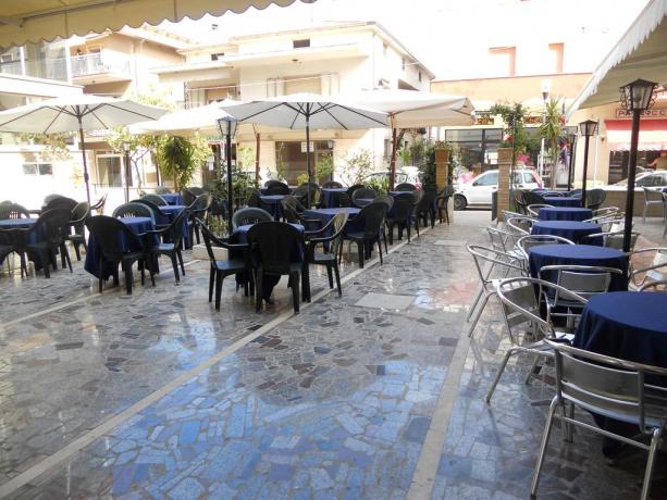 Ristorante esterno Hotel in Abruzzo