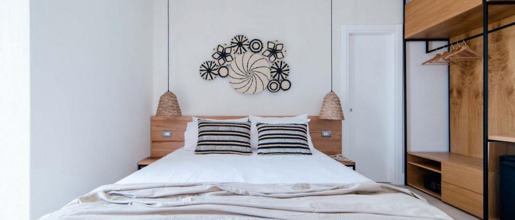 Camera matrimoniale con armadio Hotel 4 stelle Baia-Domizia