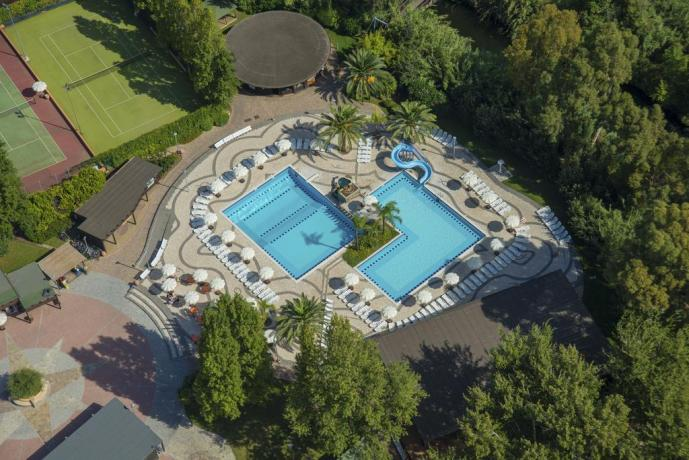 Maracalagonis villaggio 4stelle con 3 piscine