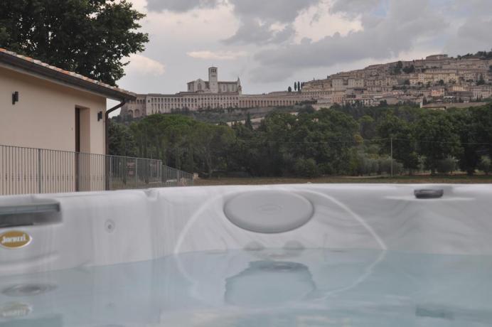 Giardino con Jacuzzi vista Basilica S.Francesco