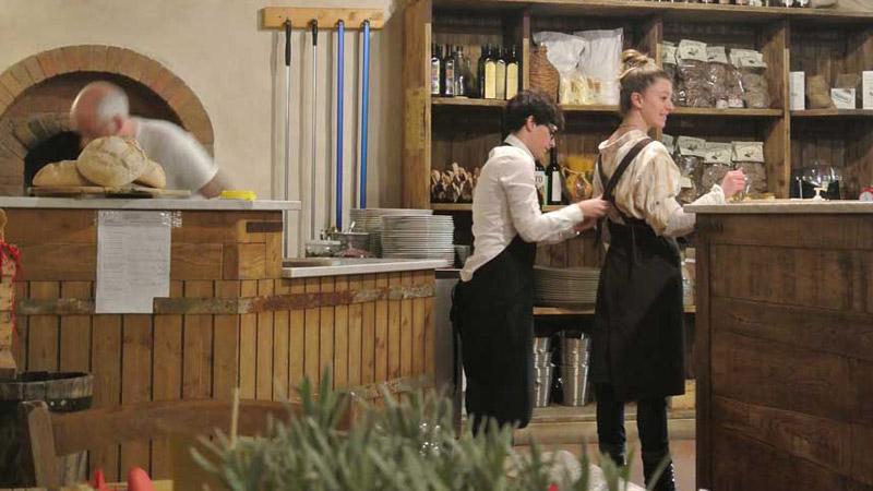 Pizzeria con forno a legna, residence in Toscana
