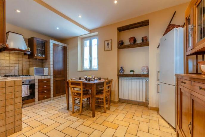 Appartamento con angolo cucina e soggiorno a Rieti