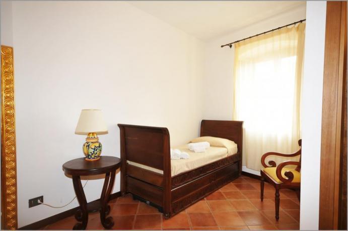 Albergo ad Alcamo, camera 104 tripla letto singolo