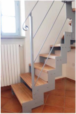 s3-2 scala interno pedata in legno