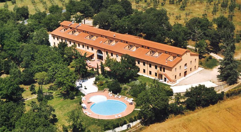 Resort con Benessere e Piscina in Toscana