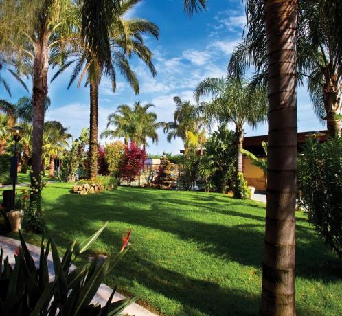 Albergo 4stelle Battipaglia giardino e piscina Salerno